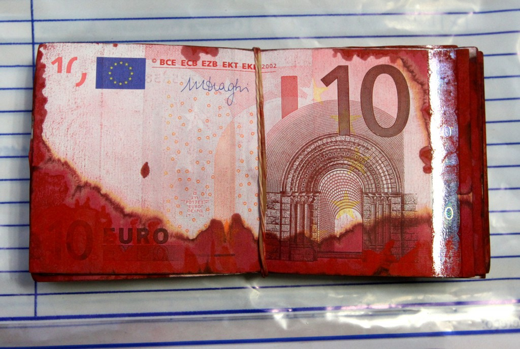 10_euro_notes_from_an_ATM_robbery
